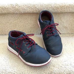 Toms boy's size 3y lace up shoes